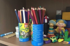 Карандаши для логопедических занятий и игрушки