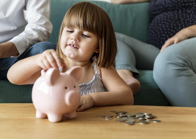 Деньги для детей: сколько давать и как научить рационально тратить?