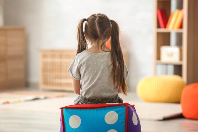 Ребенок ворует деньги у родителей – что делать?